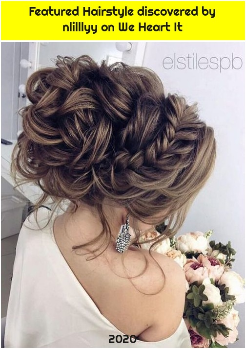 Featured Hairstyle discovered by nlilllyy on We Heart It